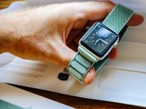 Νέα σειρά 3 ρολογιών της Apple πρόσωπο ρολογιών smartwatch Στοκ Φωτογραφία