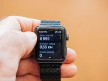 Νέα σειρά 3 ρολογιών της Apple app υγείας pedometer, ρολόι app Στοκ Φωτογραφίες