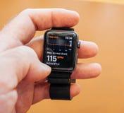 Νέα σειρά 3 υγεία app, ρολόι app ρολογιών της Apple ποσοστού καρδιών Στοκ Εικόνες