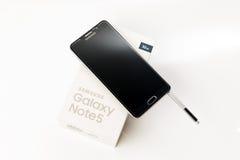 Νέα σημείωση 5 γαλαξιών Smartphone Samsung με τη μάνδρα του S Στοκ εικόνα με δικαίωμα ελεύθερης χρήσης