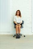 Νέα συνεδρίαση επιχειρηματιών στην καρέκλα Στοκ εικόνες με δικαίωμα ελεύθερης χρήσης