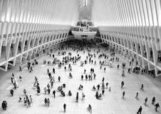 Νέα Υόρκη, ΗΠΑ - 10 Ιουνίου 2018: Άνθρωποι σε Westfield World Trade Center στην πόλη της Νέας Υόρκης στοκ εικόνα με δικαίωμα ελεύθερης χρήσης