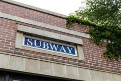 Νέα Υόρκη/ΗΠΑ του Μπρούκλιν - 20 Αυγούστου 2018: Σταθμός μετρό του Morgan Ave στο BR στοκ εικόνα με δικαίωμα ελεύθερης χρήσης