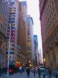 Νέα Υόρκη, ΗΠΑ - 13 Φεβρουαρίου 2013: Το ορόσημο που χρεώνει το Bull στο Λόουερ Μανχάταν αντιπροσωπεύει επιθετικό οικονομικό Στοκ εικόνα με δικαίωμα ελεύθερης χρήσης