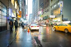 Νέα Υόρκη, Νέα Υόρκη - 8 Ιανουαρίου 2019 - απόψεις Koreatown στη βροχή στοκ φωτογραφία