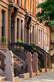 Νέα Υόρκη, πόλη/ΗΠΑ - 10 Ιουλίου 2018: Παλαιά κτήρια Hicks Stree Στοκ φωτογραφίες με δικαίωμα ελεύθερης χρήσης