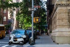 Νέα Υόρκη, πόλη/ΗΠΑ - 10 Ιουλίου 2018: Παλαιά κτήρια Hicks Stree Στοκ Εικόνες