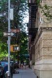 Νέα Υόρκη, πόλη/ΗΠΑ - 10 Ιουλίου 2018: Παλαιά κτήρια Hicks Stree Στοκ Φωτογραφία