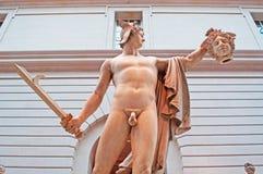 Νέα Υόρκη: Perseus με τον επικεφαλής Medusa στο μουσείο Γκούγκενχαϊμ που χτίζει στις 17 Σεπτεμβρίου 2014 Στοκ φωτογραφία με δικαίωμα ελεύθερης χρήσης