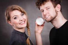 Νέα φροντίδα ζευγών και δέρματος στοκ φωτογραφία με δικαίωμα ελεύθερης χρήσης