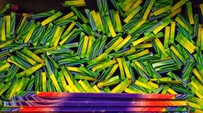 Νέα φω'τα της Βεγγάλης, sparkler πλήρως στο κατάστημα Υπόβαθρο των sparklers στο πακέτο στοκ φωτογραφίες