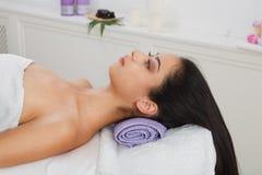 Νέα όμορφη γυναίκα aroma spa στο κέντρο wellness Στοκ εικόνες με δικαίωμα ελεύθερης χρήσης