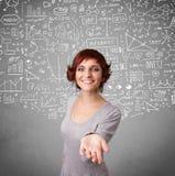 Νέα όμορφη κυρία με συρμένους τους χέρι υπολογισμούς και τα εικονίδια Στοκ φωτογραφία με δικαίωμα ελεύθερης χρήσης
