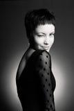 Νέα όμορφη κυρία στο κομψό φόρεμα Στοκ Εικόνα