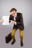 Νέα geeky σελίδα εκμετάλλευσης επιχειρηματιών Στοκ φωτογραφία με δικαίωμα ελεύθερης χρήσης