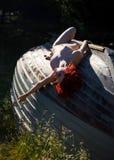 Νέα nude redhead γυναίκα Στοκ φωτογραφία με δικαίωμα ελεύθερης χρήσης
