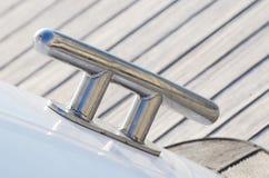 Νέα sailboat σφήνα, εξοπλισμός για τα σχοινιά σφιγγμένα Στοκ εικόνα με δικαίωμα ελεύθερης χρήσης