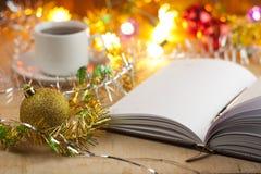 Νέες καταχωρήσεις -απαριθμεί στο νέο έτος Κατάλογος αγορών πριν από το νέο έτος Στοκ εικόνα με δικαίωμα ελεύθερης χρήσης