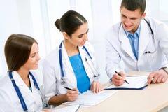 Νέοι γιατροί στοκ εικόνες