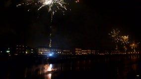 Νέοι εορτασμοί παραμονής έτους ` s πέρα από τον ποταμό Arno απόθεμα βίντεο