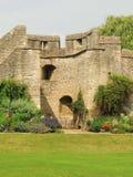 Νέοι κήποι κολλεγίου και το παλαιό Πανεπιστήμιο της Οξφόρδης τοίχων πόλεων στοκ εικόνες με δικαίωμα ελεύθερης χρήσης