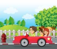 Νέοι κύριοι που οδηγούν ένα αυτοκίνητο με δύο κυρίες στην πλάτη απεικόνιση αποθεμάτων