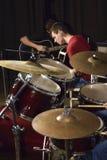 Νέοι που παίζουν τις κιθάρες Στοκ Εικόνα