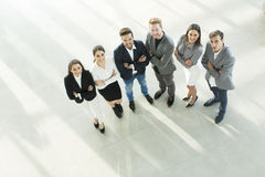 Νέοι στο γραφείο που φωτογραφίζεται άνωθεν στοκ φωτογραφίες με δικαίωμα ελεύθερης χρήσης