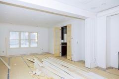 Νέοι τοίχοι ασβεστοκονιάματος γύψου οικοδόμησης κτηρίου εγχώριας οικοδόμησης βιομηχανίας κτηρίου οικοδόμησης Στοκ εικόνες με δικαίωμα ελεύθερης χρήσης