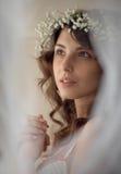 Νέοι όμορφος και ήπια γυναίκα Στοκ φωτογραφία με δικαίωμα ελεύθερης χρήσης