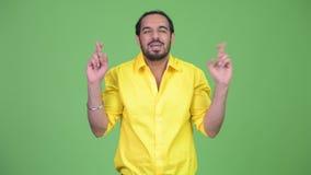 Νέος απελπισμένος γενειοφόρος ινδικός επιχειρηματίας με την επιθυμία της χειρονομίας απόθεμα βίντεο