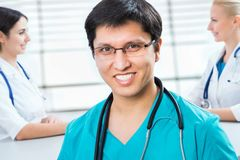 Νέος αρσενικός γιατρός Στοκ Φωτογραφίες