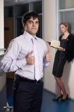 Νέος επιχειρηματίας με το συνάδελφο Στοκ Εικόνες