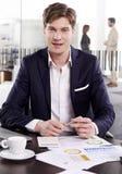 Νέος επιχειρηματίας στο γραφείο Στοκ Φωτογραφίες
