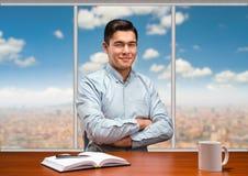 Νέος επιχειρηματίας στο γραφείο Στοκ Εικόνες
