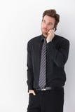 Νέος επιχειρηματίας στο κινητό τηλέφωνο Στοκ Φωτογραφίες