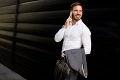 Νέος επιχειρηματίας υπαίθριος Στοκ εικόνες με δικαίωμα ελεύθερης χρήσης