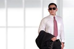 Νέος και υπερήφανος ασιατικός επιχειρηματίας Στοκ Εικόνα