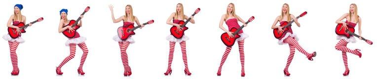 Νέος κιθαρίστας που απομονώνεται στο λευκό Στοκ φωτογραφία με δικαίωμα ελεύθερης χρήσης