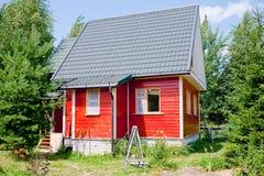 νέος μικρός εξοχικών σπιτιώ Στοκ Εικόνες