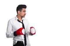 Νέος μπόξερ επιχειρηματιών στα εγκιβωτίζοντας γάντια Στοκ εικόνα με δικαίωμα ελεύθερης χρήσης