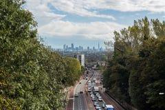 Νέος ορίζοντας του Λονδίνου που βλέπει από το βόρειο Λονδίνο Στοκ Εικόνα