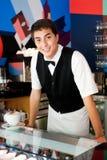Νέος σερβιτόρος Στοκ εικόνες με δικαίωμα ελεύθερης χρήσης
