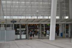 Νέος σταθμός γεφυρών του Λονδίνου Στοκ Φωτογραφίες