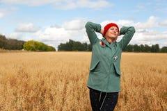 Νέος όμορφος η γυναίκα στοκ φωτογραφίες με δικαίωμα ελεύθερης χρήσης