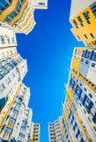 Νέος όμορφος και σύγχρονος σύνθετος των κτηρίων στοκ φωτογραφίες