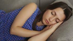 Νέος ύπνος γυναικών φιλμ μικρού μήκους