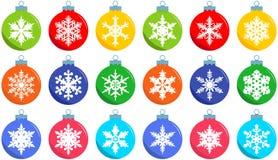 νέο έτος έννοιας Χριστου&gamm Σύνολο διαφορετικών σφαιρών διακοσμήσεων Χριστουγέννων στο επίπεδο ύφος στο άσπρο υπόβαθρο Διανυσμα Στοκ φωτογραφία με δικαίωμα ελεύθερης χρήσης