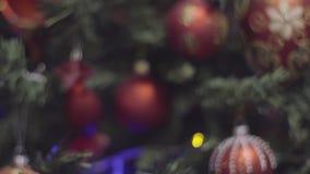 νέο έτος διακοσμήσεων Χριστουγέννων Θολωμένο περίληψη υπόβαθρο διακοπών Bokeh κόκκινο Αναβοσβήνοντας γιρλάντα Χριστούγεννα η διαν απόθεμα βίντεο