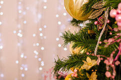 νέο έτος διακοσμήσεων Χριστουγέννων Μπιχλιμπίδι στο χριστουγεννιάτικο δέντρο Στοκ εικόνες με δικαίωμα ελεύθερης χρήσης
